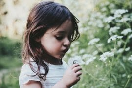 Mitä kiireisemmäksi oma elämä yltyy, sitä tärkeämpää on olla hötkyilemättä. Jo pieni läsnäolon hetki voi olla kuin miniloma.